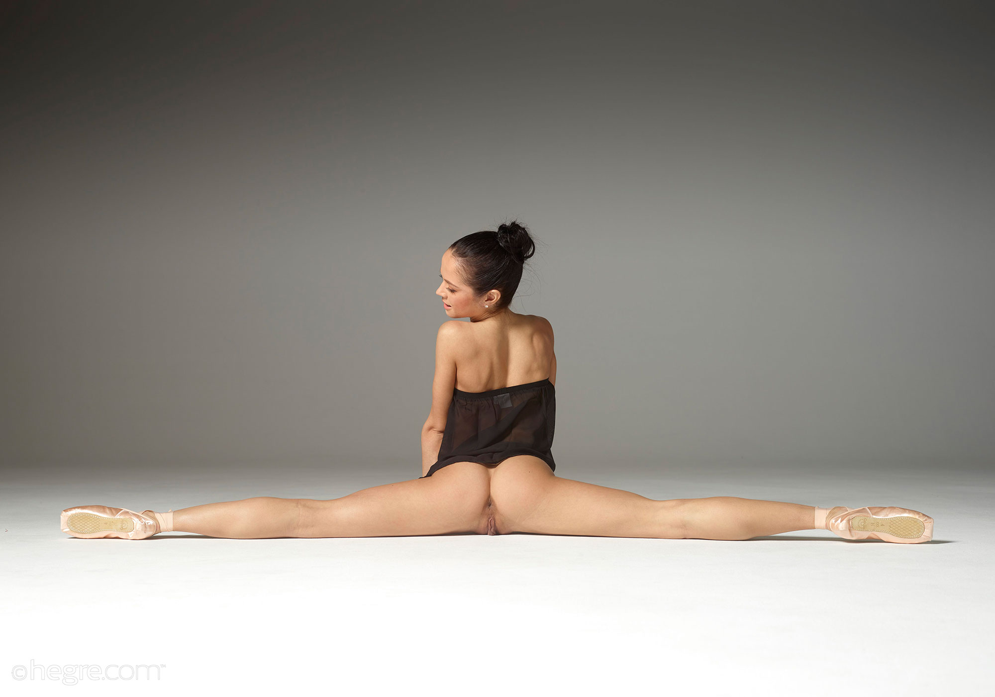 nude female yoga model
