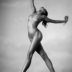 Nude female body pic