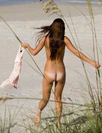 Aria A naturist on metart