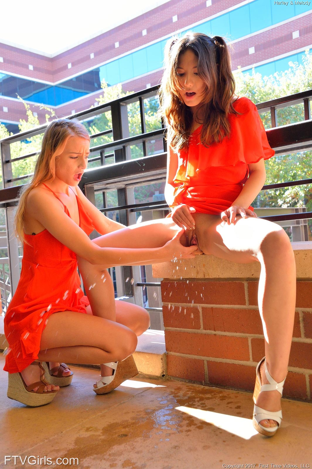 girls nude na webcan