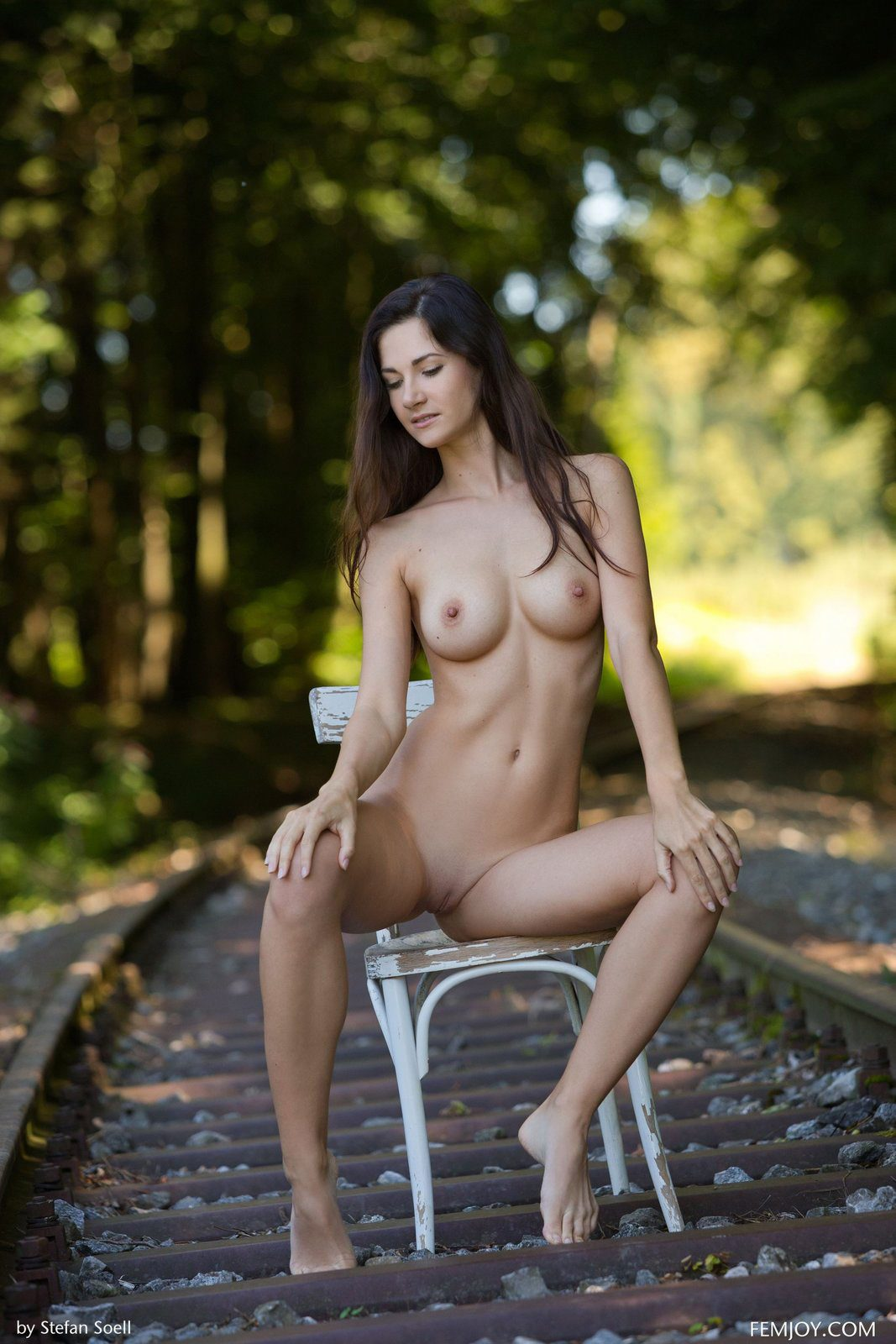 Tits Nude Thumbnails Pictures