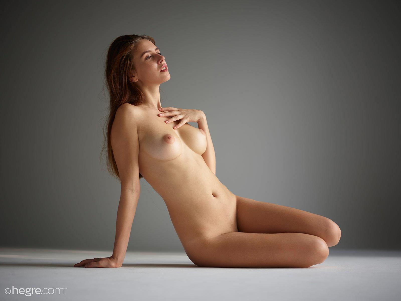 alisa a nude