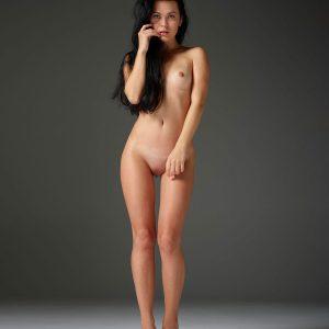 Belle Hegre model