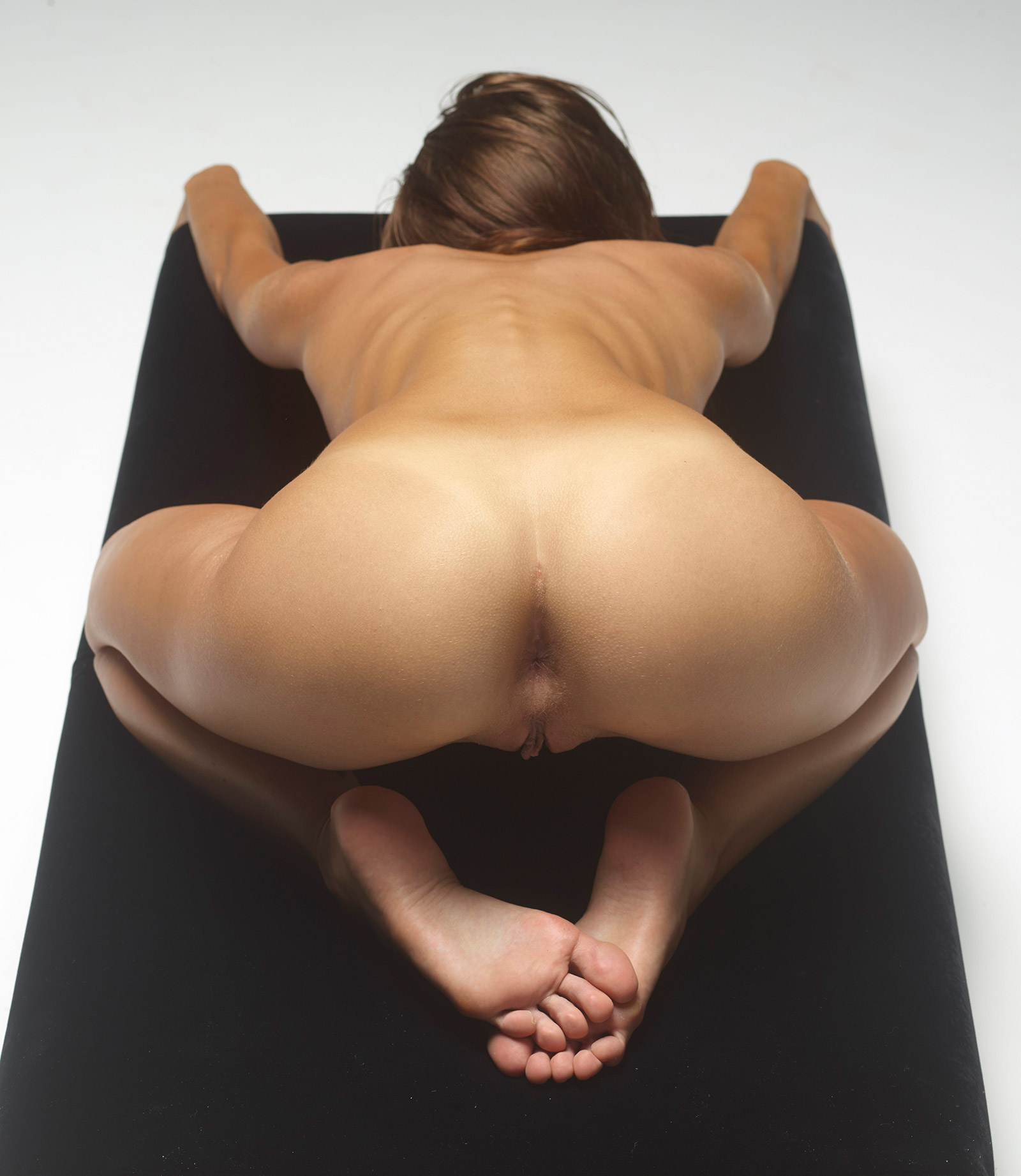nude body of lady student