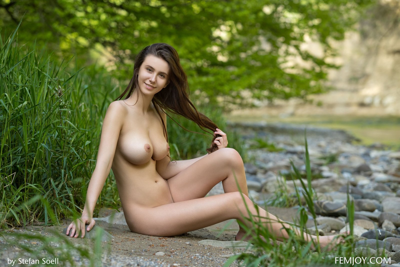 Suggest Free in nature nude share